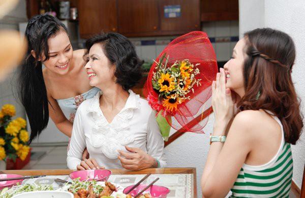 cách chọn hoa tươi tặng mẹ ý nghĩa nhất 2