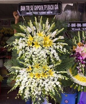 hoa chia buồn 85