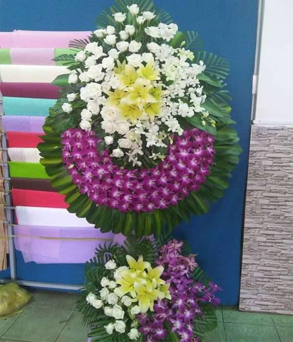Vòng hoa tang lễ quận 2 tphcm