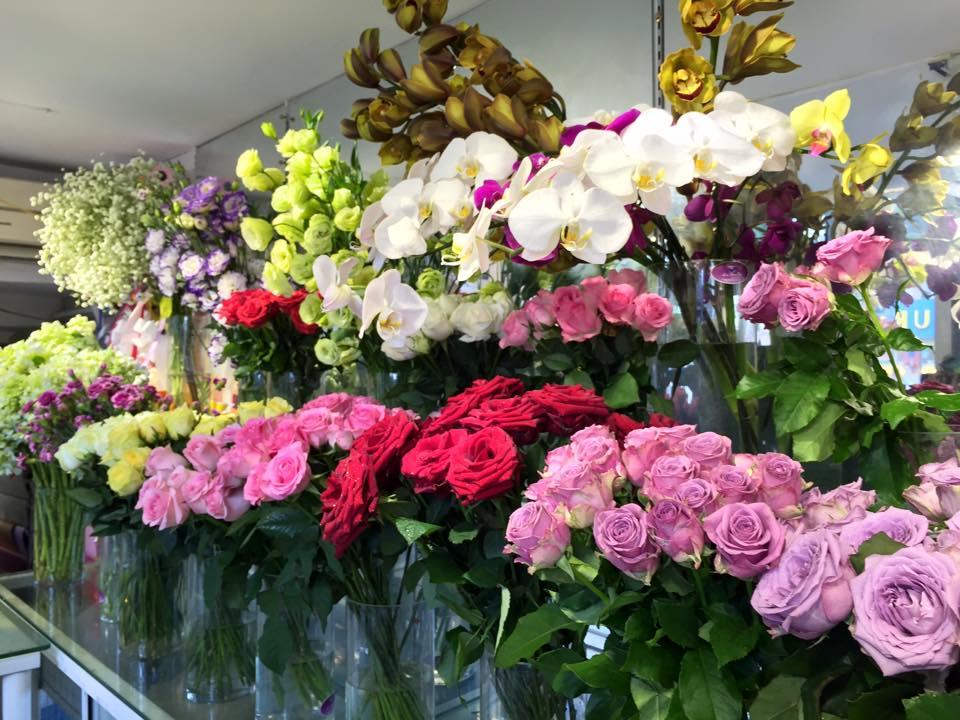 shop hoa tươi đường trần não quận 2