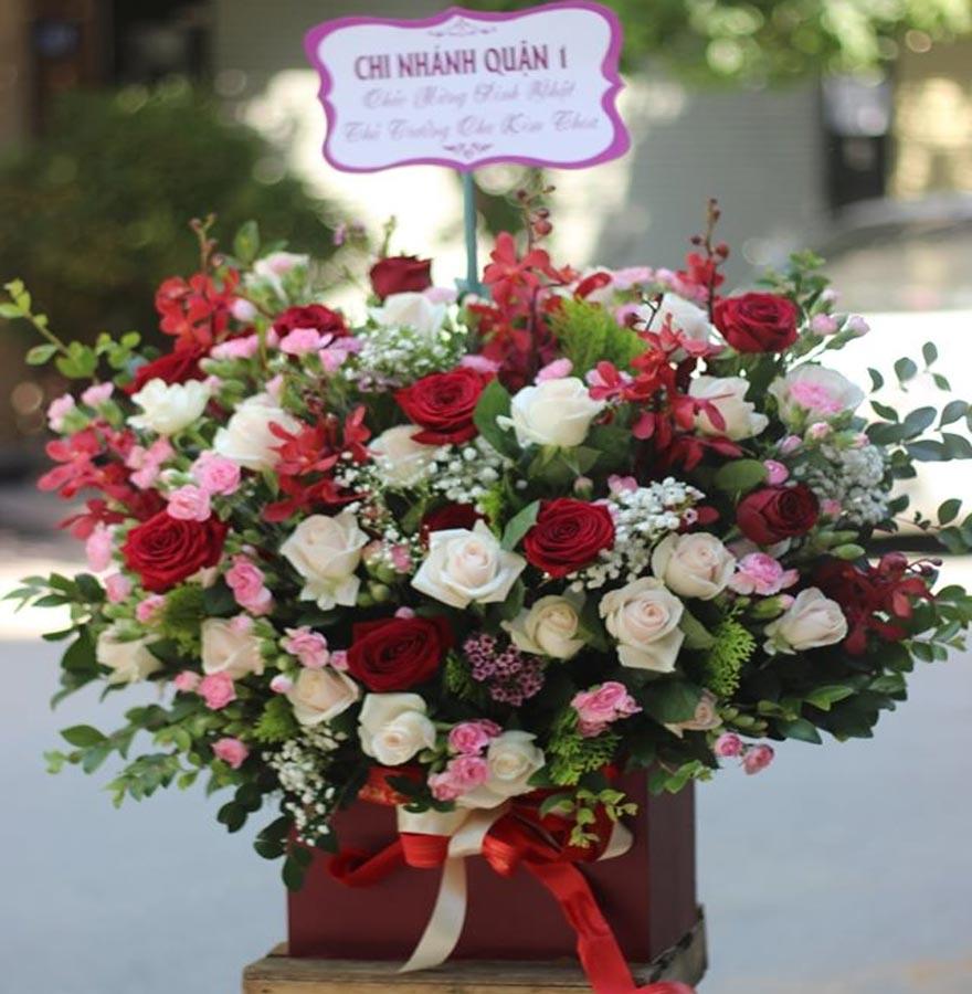 giỏ hoa đẹp tại shop hoa tươi nguyễn trãi