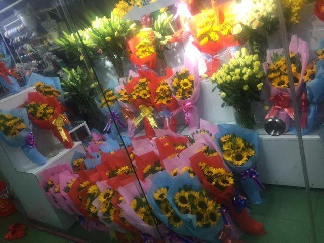 tiệm hoa gần đây