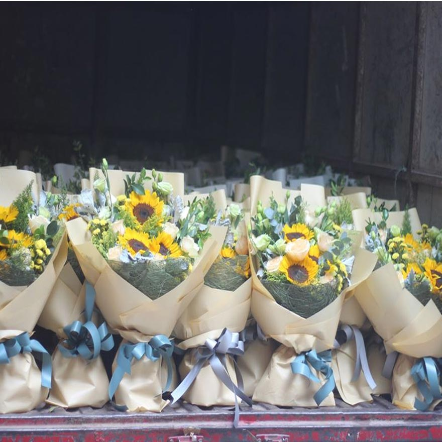 dịch vụ giao hoa tận nhà tại hóc môn
