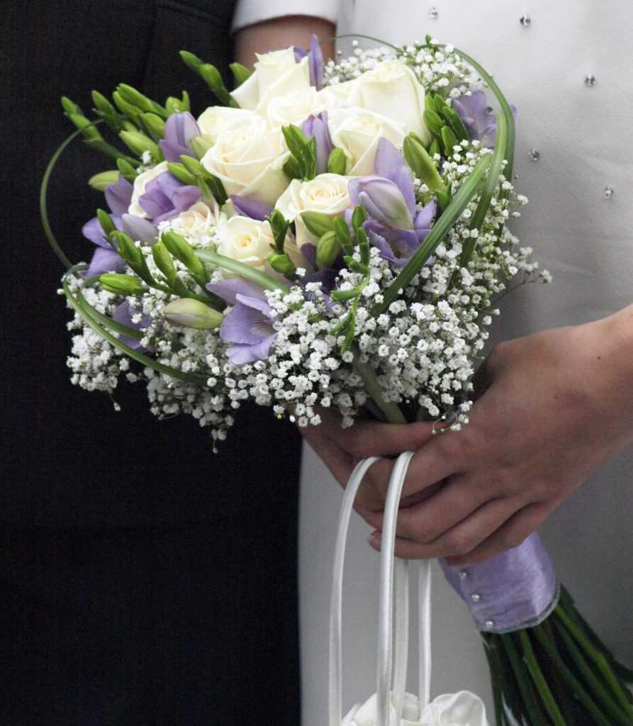 giá hoa cầm tay cô dâu 2