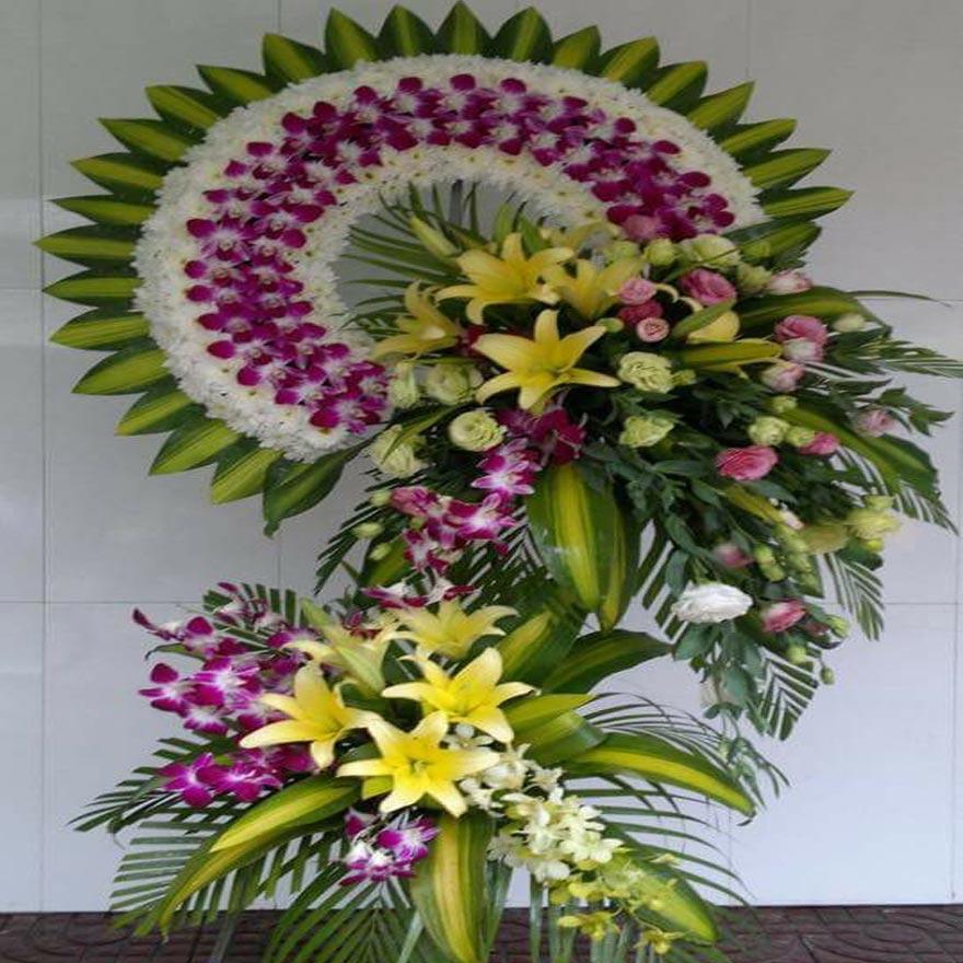 vòng hoa tang lễ đẹp tại quận 4 tphcm