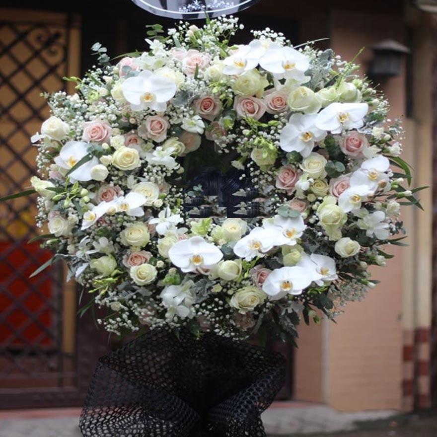 vòng hoa tang lễ giá rẻ tại huyện nhà bè