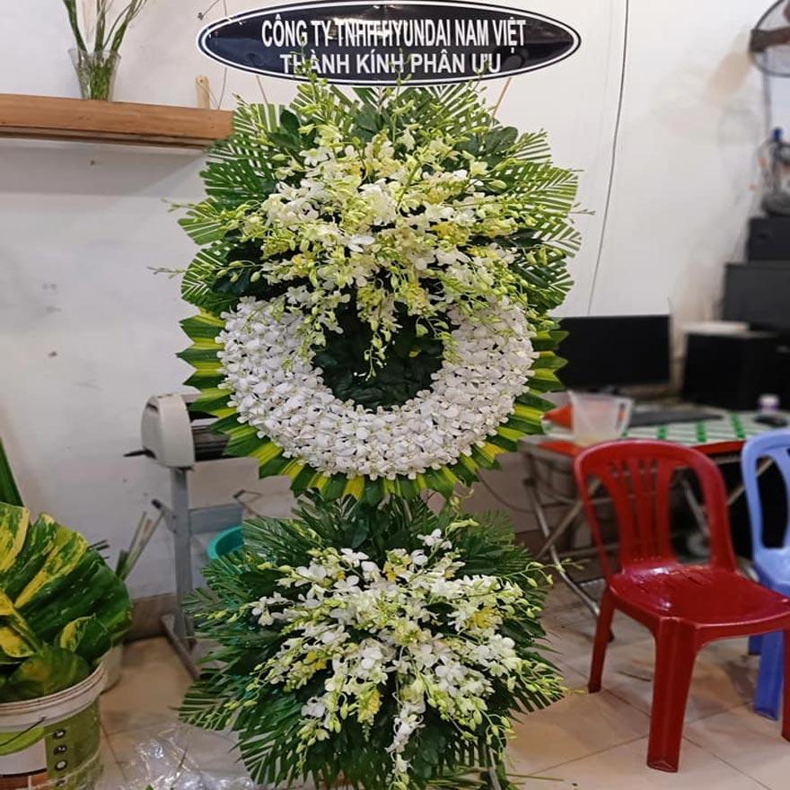 vòng hoa tang lễ giá rẻ tại quận 5 tphcm