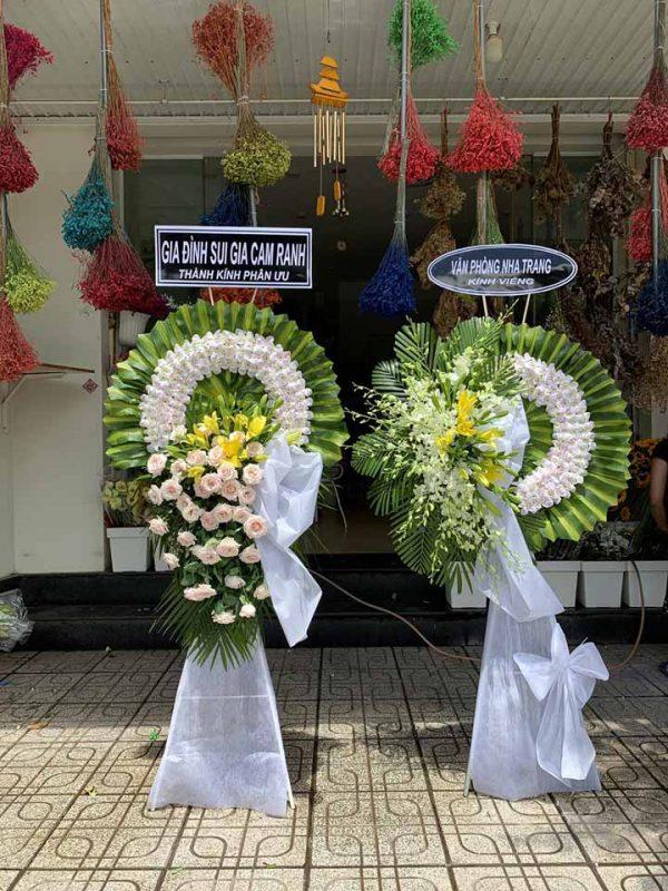 Đơn vị cung cấp vòng hoa đám tang giá rẻ