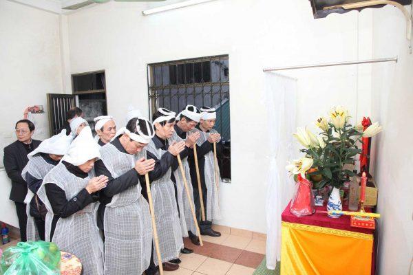 Cách lạy đám tang theo phong tục của người Việt