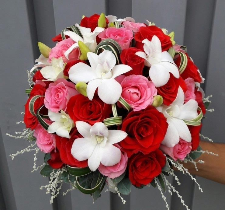 Hoa cầm tay cô dâu tại hoa tươi văn nam
