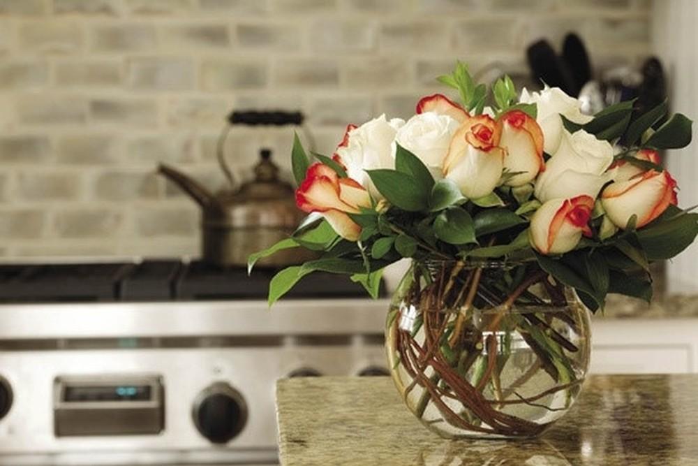 hoa tươi trang trí nhà bếp 2