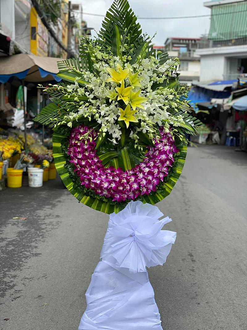Hoa chia buồn tang lễ màu tím