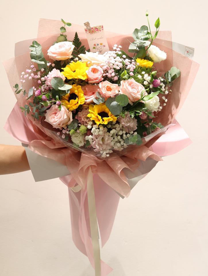 Hoa sinh nhật tặng cho Nam và Nữ